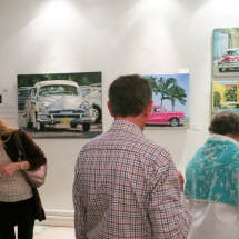 visitors-at-ar-gallery-pepler-exhibition